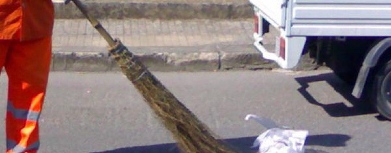 Netturbino sorpreso con droga nell'automezzo, spacciava durante il giro di raccolta rifiuti