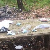 Pasquetta da incivili in Irpinia: rifiuti in montagna e nei parchi