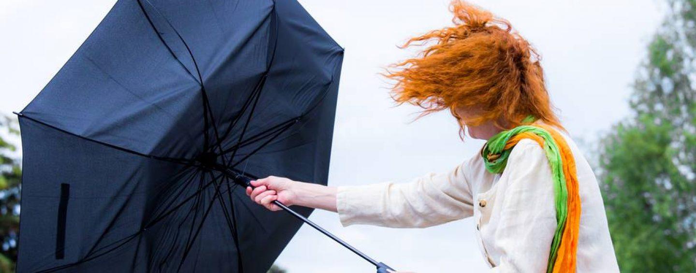 Pasquetta, allerta meteo in Campania: vento forte. A Napoli parchi pubblici chiusi
