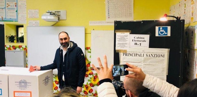 """Election day, il deputato 5S Michele Gubitosa alle urne: """"Votiamo per continuare a combattere"""""""