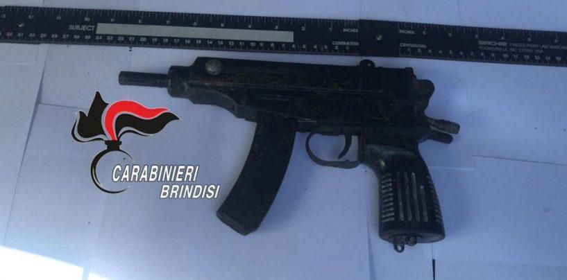 FOTO/ Armi da guerra usate per rapinare il blindato Cosmopol a Cisternino
