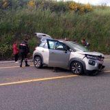 Sbanda con l'auto e finisce contro un muretto: ricoverata al Frangipane