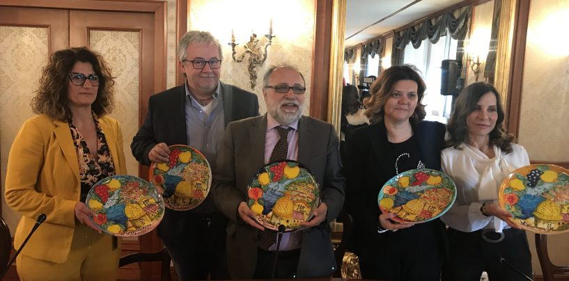 """In Regione le ceramiche dei detenuti del carcere minorile di Airola. Iannace: """"Un bell'esempio di riabilitazione"""""""