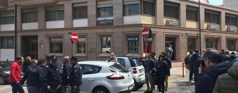 Banda del taglierino in azione: tentata rapina in banca ad Avellino