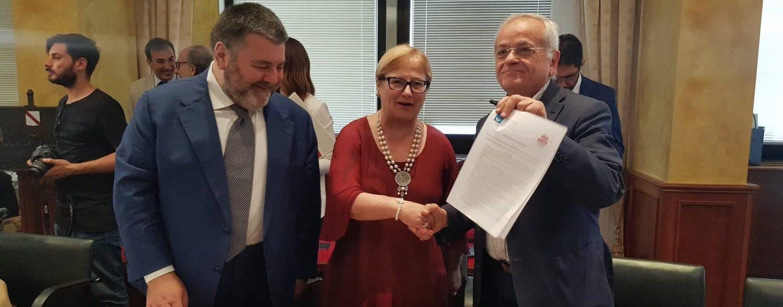 Legalità e lotta alle mafie, D'Amelio firma intesa con Avviso Pubblico