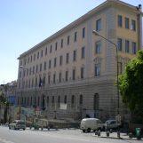 Morto suicida il professore napoletano indagato di molestie su due alunne