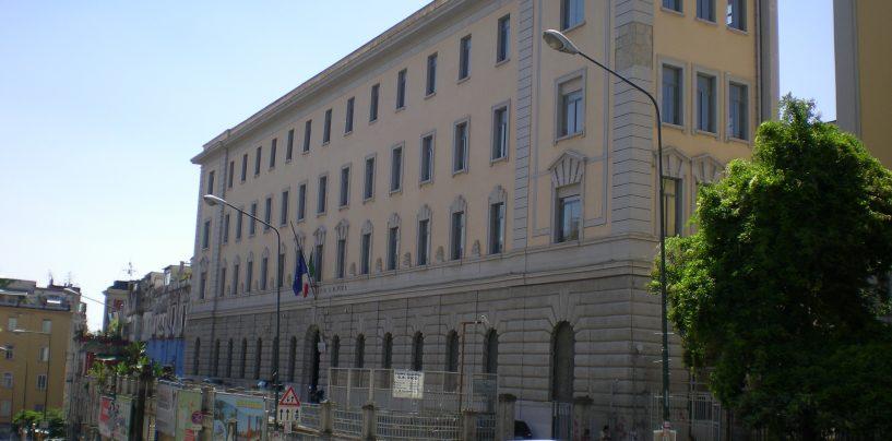 Morto suicida il professore napoletano indagato per molestie su due alunne