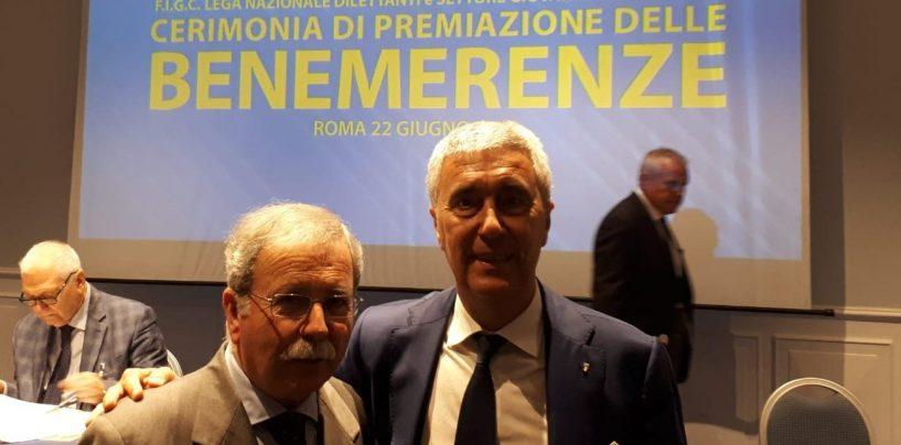 Fernando Selvitella premiato dalla Fgci per l'ultraventennale attività di dirigente di società calcistiche irpine