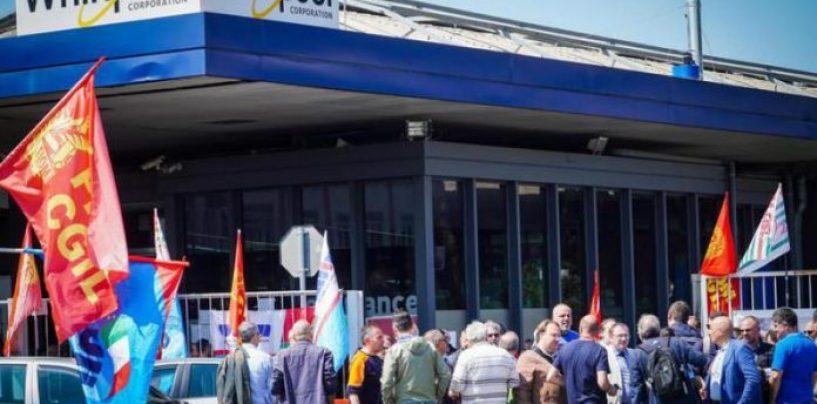 """Indotto Whirlpool, 200 lavoratori a rischio in Irpinia. I sindacati """"chiamano"""" Di Maio"""