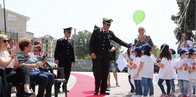 FOTO/ Bambini in festa: sorpresa per i Carabinieri all'Istituto Comprensivo di Montemiletto