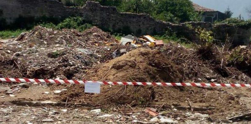 Scoperti 10 mila metri quadrati di discarica abusiva, sigilli all'ex area prefabbricati di Montoro