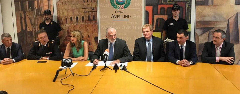 """""""Avellinesi, non abbiate paura di osare"""". L'ultimo saluto alla città del """"cittadino onorario"""" Giuseppe Priolo"""