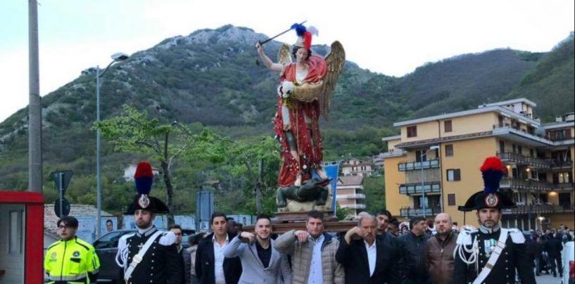 Contro le truffe agli anziani, il parroco di Chiusano parte dagli appelli durante messe e processioni