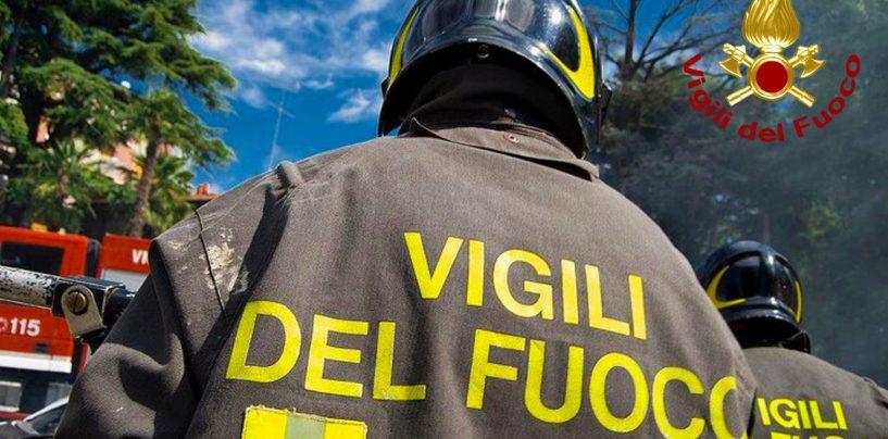Auto in fiamme sull'A16, messa in sicurezza dai vigili del Fuoco di Avellino