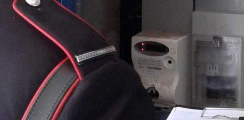 Per non pagare le bollette manomette l'impianto elettrico: denunciato un 50enne di Lauro