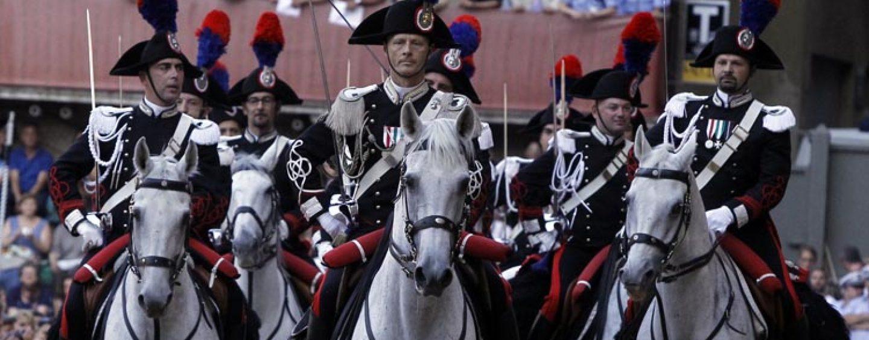 A Cercola il carosello storico del IV Reggimento dei Carabinieri a cavallo