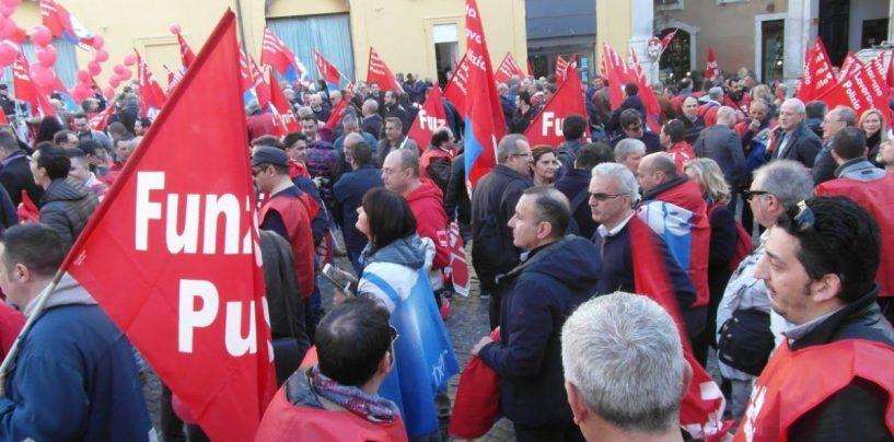 """Polizia penitenziaria, domani in piazza per la sicurezza. La Fp Cgil: """"Il governospecula sulle nostre divise"""""""