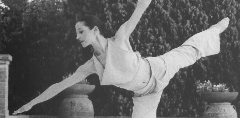 Pontedera Danza, la targa in memoria di Stefania Russoniello a Martina Tremolanti e Ludovica Palmieri