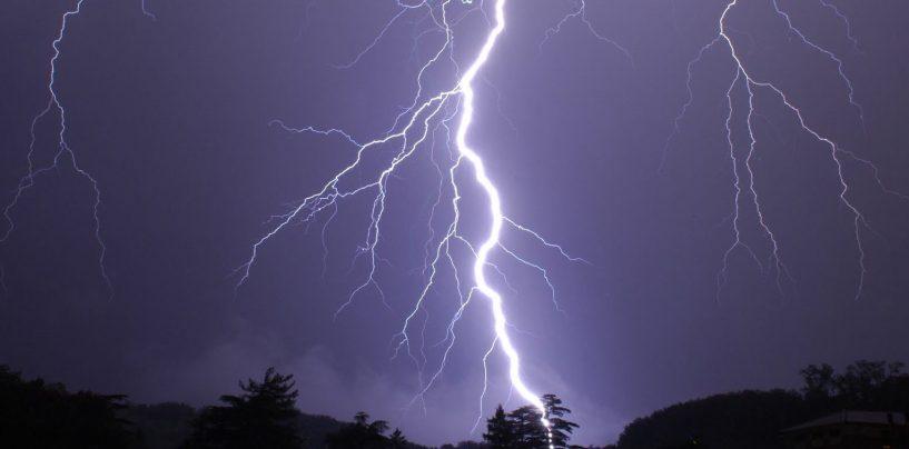 Domenica con grandine e fulmini: allerta meteo in Campania
