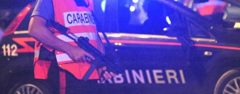 In giro armato di coltello e tirapugni, 25enne di Bonito finisce nei guai