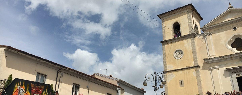 """""""Volo dell'angelo"""", la lotta tra il bene e il male va in scena a Gesualdo"""
