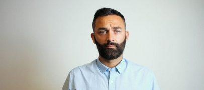 """Dal palco del liceo a """"Sotto la Pioggia"""": l'esordio del cantautore irpino Berlino 84"""