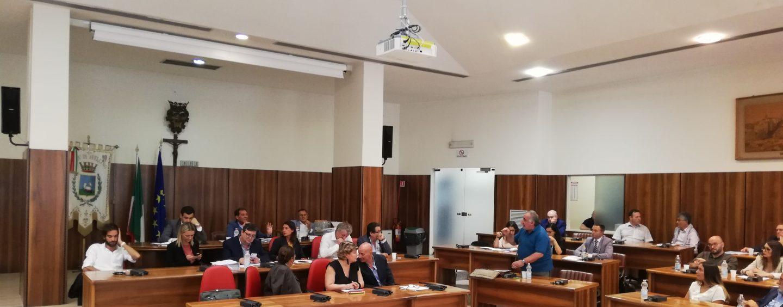 """Commissioni e """"caso"""" Urciuoli: clima sempre più teso in consiglio comunale"""