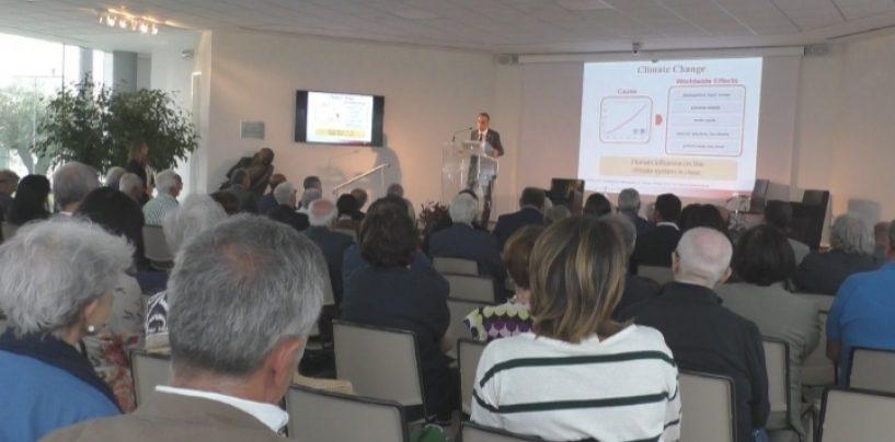 """Dalla bioetica ai cambiamenti climatici: continua al Biogem """"Le Due Culture"""". Domani anche lo scrittore De Giovanni"""
