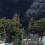 Incendio di Avellino, ecco la prima relazione dell'Arpac sulla qualità dell'aria