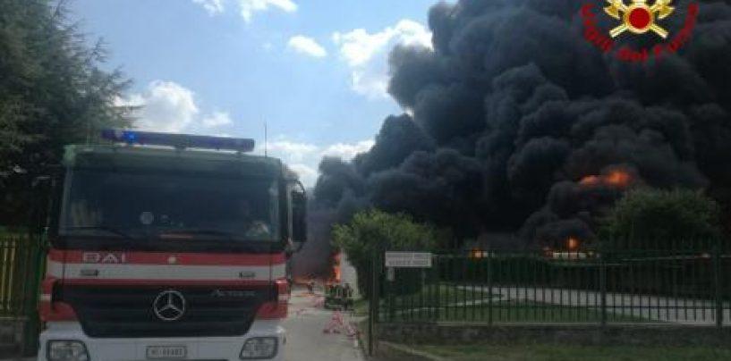 """Incendio Avellino, i sindacati dei vigili del fuoco: """"Orgogliosi di tanto affetto"""""""