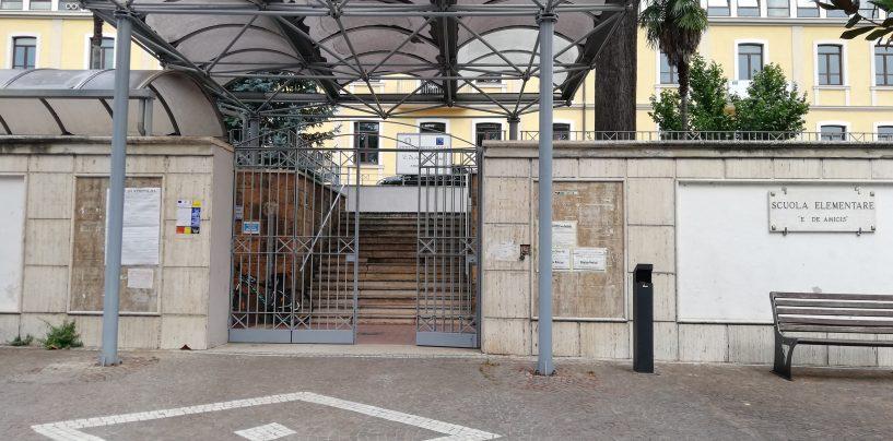 """""""Camminata"""" contro il tumore al seno, ci sarà anche il De Amicis-Masi: """"L'istituto sarà illuminato di rosa"""""""