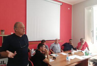 """""""Chiediamo un aumento del salario di 150 euro, non la luna"""". La sfida della Fiom per i lavoratori parte da Avellino"""