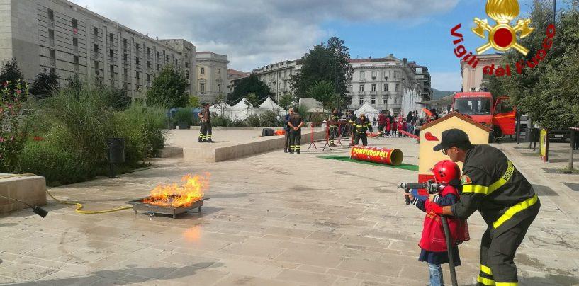 FOTO/ Pompieropoli: bimbi vigili del fuoco per un giorno ad Avellino