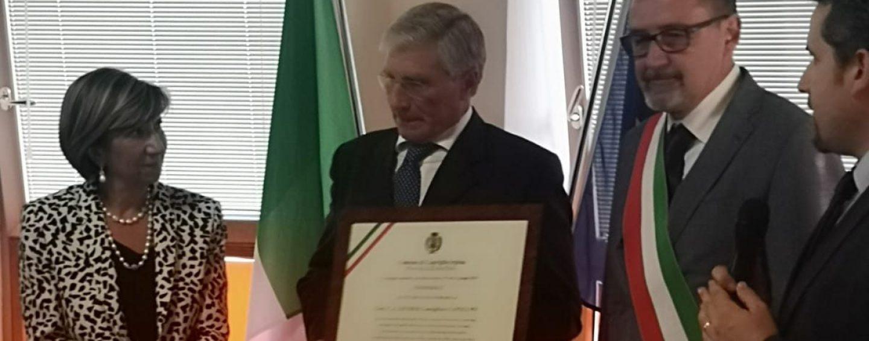 """Il Generale Saverio Capolupo cittadino onorario della sua Capriglia: """"Questi riconoscimenti siano esempio per i giovani"""""""