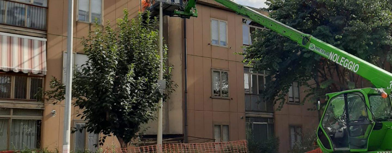 """""""Vietato aprire le finestre"""". Al via la rimozione dell'amianto dai tetti di via Acciani. Un mese di lavori"""