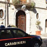 """""""Rifilano"""" ad un commerciante di Bisaccia soldi falsi, i carabinieri arrestano due persone"""
