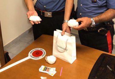 In auto con 165 grammi di cocaina: arrestato pusher 25enne