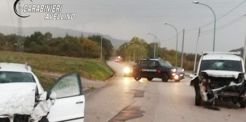 Incidente stradale a Conza della Campania: due auto coinvolte, tre feriti