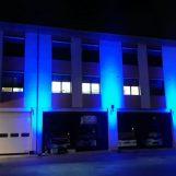 Go Blue, anche il Comando dei pompieri di Avellino s'illumina per i diritti dei bambini