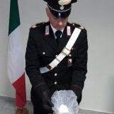 Benevento, carabinieri arrestano un pusher su autobus urbano
