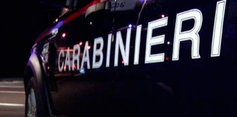 Ruba un'auto sotto gli occhi dei cittadini: arrestato 30enne di origini gambiane