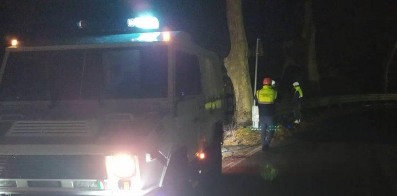 San Potito, incendio all'altezza del cimitero: paura per gli automobilisti diretti sull'Ofantina