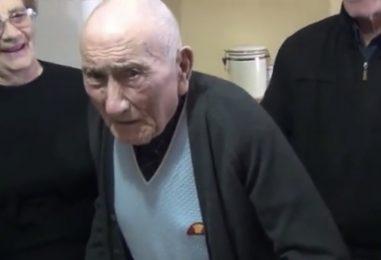 """VIDEO/ Nonno Giuseppe di San Mango compie 105 anni: """"Il mio desiderio? Tornare a casa mia"""""""