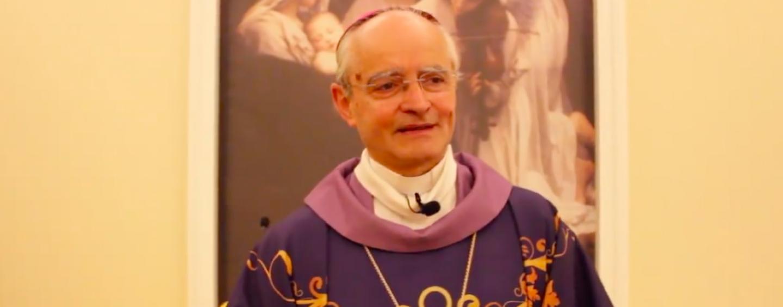 Covid-19, il vescovo Aiello lancia la staffetta di preghiera