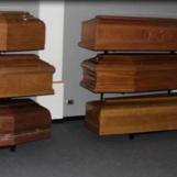 Video/Coronavirus: per i morti niente vestizione, solo un telo e nessun funerale. La testimonianza di due operatori irpini