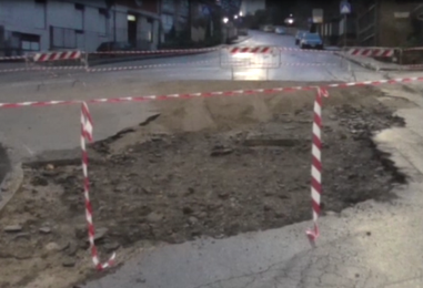 Video/Maltempo. Rotatoria di via Tuoro Cappuccini recintata, via Circumvallazione di nuovo praticabile