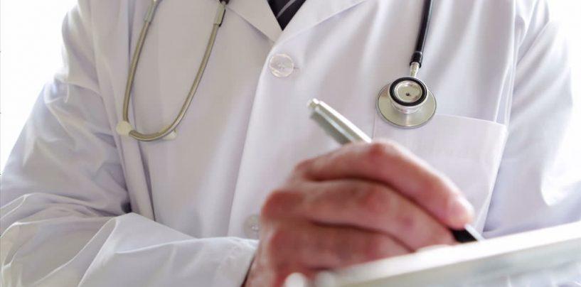"""Coronavirus, l'Ampom scrive a Mattarella: """"Medaglia d'oro al valore civile per tutti gli operatori sanitari deceduti"""""""