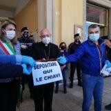 """FOTO E VIDEO / """"De Luca venga ad Ariano Irpino, è ora di confrontarsi con i cittadini"""". Commissario e Vescovo """"chiamano"""" il Governatore"""