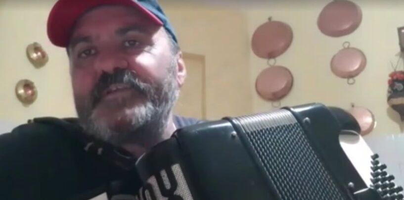 VIDEO/Silvino, l'artista irpino spopola sul web con le sue canzoni