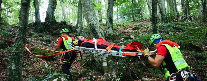 Bagnoli Irpino, donna si infortuna in località Fiumara: interviene il soccorso Alpino